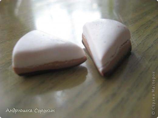 Для начала возьмем пластику трех цветов: Белый, Коричневый, Бежевый. Скатываем из них кругляшки... фото 4