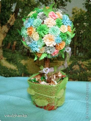 УРА!!! Май цветет и празднует! Всех поздравляю с самым нежно-сиренево-ландышевым зелено-праздничным МАЕМ!!! вот и у меня получилось такое майское деревце - цветущее и радостное! фото 2