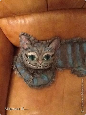 Давно хотела сшить Чеширского кота из фильма про Алису в Стране Чудес. Похож получился кот или нет, судить вам! длиной кот получился на ширину кресла. фото 2