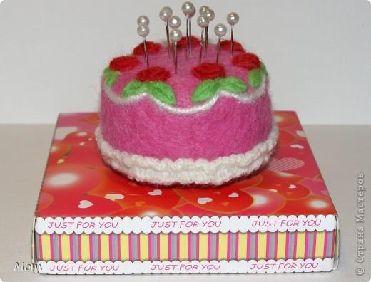 """Этот тортик я """"испекла"""" ко дню рождения моей доченьки. Она у меня рукодельница, к тому же следит за своей фигурой.  фото 1"""