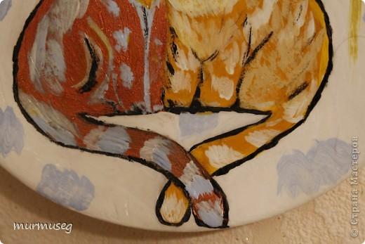 Это керамическая тарелочка,расписанная акрилом. Бабочка-квиллинг. фото 3