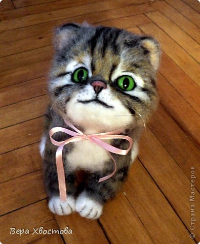 Котеночек Тимошка 26 см Сидит на полу Мурлыкает) фото 2
