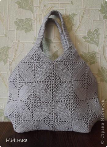 Здравствуйте мастера и мастерицы! Увидела я  вот такую сумочку http://stranamasterov.ru/node/171758 , и очень уж она  мне понравилась, и нитки такого же цвета давно меня ждали.  фото 2
