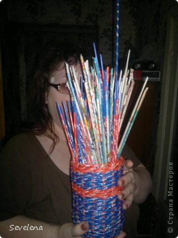 Добрый день, Страна! Это моя самая первая работа после того, как я познакомилась с  плетением из газетных полос. Для меня это было открытие! фото 2