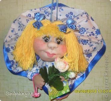 Вот ещё несколько моих куклёш. Какие -то делались на заказ , какие-то на подарки. Раньше куклёши гуляли по городу , теперь начали гулять по стране. Я этому очень рада.  Эта милашка уехала  на запад.  Хозяйка назвала её Дарина. Вот какое красивое имя. И она хозяйке понравилась. фото 6
