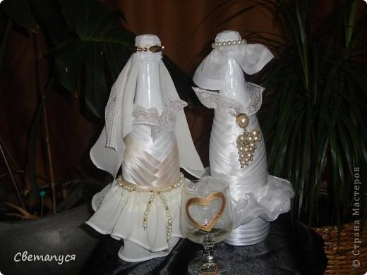 Доброго времени суток, дорогие!!!! Ну вот и  мне подвернулся случай сделать бутылочки ...а вернее жениха и невесту.... фото 1