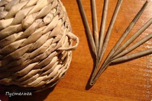 Что только не символизирует сова! Но мы выбираем самое нужное и плетём сову-шкатулку. фото 9