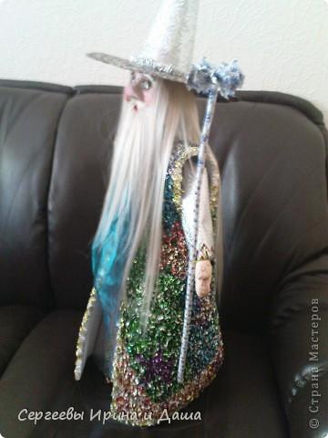 Всё для детского сада! (прошу прощение за качество фото) Халат сделан торцеванием из конфетных фантиков. Голова и ладошки - папье-маше. фото 2