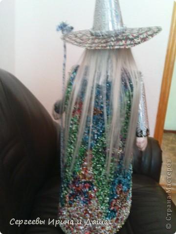 Всё для детского сада! (прошу прощение за качество фото) Халат сделан торцеванием из конфетных фантиков. Голова и ладошки - папье-маше. фото 4
