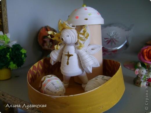 Ангелочка делала по МК не помню кого. А вот яйца и кулич сама. фото 1