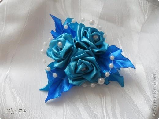 заколка для девочки, попросили сделать синего цвета. Вот такая она получилась. Но чего-то не хватает в ней, может подскажете, что можно добавить???