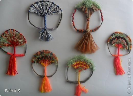 """Благодаря прекрасному МК Т.Н.Просняковой """"Плетение на веточках"""" (http://stranamasterov.ru/node/222858  ) мы с девочками тоже выполнили деревья на веточке. фото 1"""
