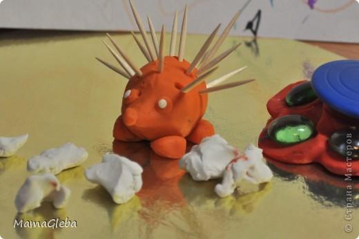 Вот она...эволюция наших пластилиновых поделок :-) Первую поделку делал Глеб в 1год и 3 мес. фото 7