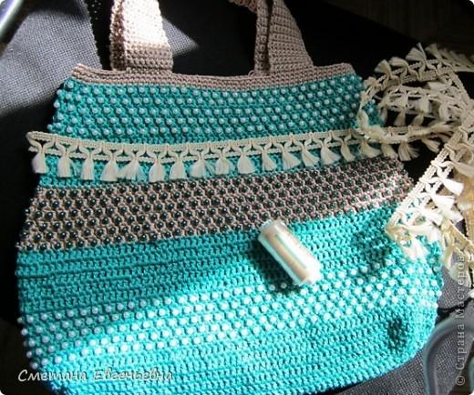Вот такая летняя сумка связалась для конкурса. Спасибо Ирине Голубке. Благодаря ей в комплект к новым босоножкам добавилась эта нарядная сумочка. Размеры 30см*28см.  фото 4