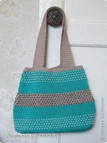 Вот такая летняя сумка связалась для конкурса. Спасибо Ирине Голубке. Благодаря ей в комплект к новым босоножкам добавилась эта нарядная сумочка. Размеры 30см*28см.  фото 3