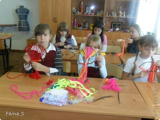 """Благодаря прекрасному МК Т.Н.Просняковой """"Плетение на веточках"""" (http://stranamasterov.ru/node/222858  ) мы с девочками тоже выполнили деревья на веточке. фото 5"""