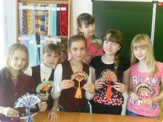 """Благодаря прекрасному МК Т.Н.Просняковой """"Плетение на веточках"""" (http://stranamasterov.ru/node/222858  ) мы с девочками тоже выполнили деревья на веточке. фото 6"""