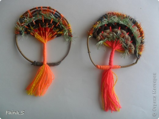 """Благодаря прекрасному МК Т.Н.Просняковой """"Плетение на веточках"""" (http://stranamasterov.ru/node/222858  ) мы с девочками тоже выполнили деревья на веточке. фото 4"""