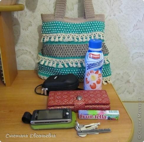 Вот такая летняя сумка связалась для конкурса. Спасибо Ирине Голубке. Благодаря ей в комплект к новым босоножкам добавилась эта нарядная сумочка. Размеры 30см*28см.  фото 11