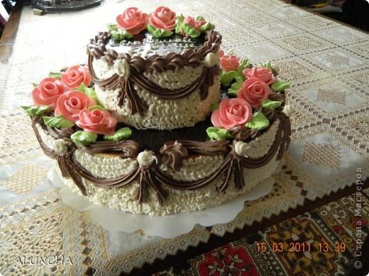 """Торт""""Любимой теще""""-самый обыкновенный бисквитный торт с маслянным кремом...Этот любимый тортик нашего детства очень вкусный,сочный и ароматный...Украшения только из маслянного крема,без мастики,без айсинга и без всяких """"заморочек""""... фото 3"""