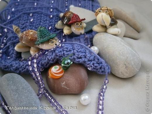 Наша сумочка готова! Это фото учавствует в конкурсе фотографий. Сочетание ниток и бисера напомнило море, вот мы и назвали свою сумочку, так необычно. фото 4