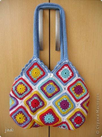 """Вот моя сумочка """"Яркое лето"""". Обожаю вязать """"бабушкиным квадратом""""! Ждем лета!!!!! А в голове уже роятся проекты других сумок... фото 1"""