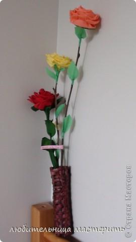 вот мои розочки:)из гофрированной бумаги)понравилось их делать:)* фото 9