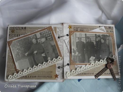 Этот альбом я сделала из старых армейских фотографий моего папы.Служил он в 1962 году.Фотографии обрели новый вид и как-будто ожили.  Папа изображен справа. фото 6