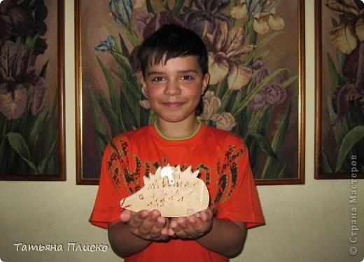 """Вот такого ёжика сделан мой сын Саша (12 лет) на уроках труда в подарок любимой тётушке, так сказать """"ответка"""" на её лягушек (http://stranamasterov.ru/node/352261)...  Честно говоря, для меня это тоже было сюрпризом, удивил даже меня))))))))))))) фото 3"""