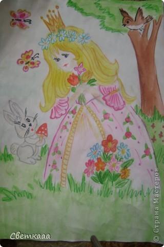 Принцесса Златовласка собирает цветы на полянке)) фото 1