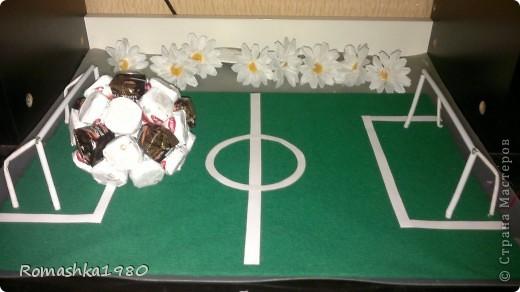 Сегодня у брата моего мужа день варенья. Он футболист.  Вот такой подарок мы ему сделали с детками  . фото 3