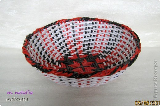 Всем привет! Долго любовалась мараканскими тарелочками Милены http://stranamasterov.ru/node/272246?c=favorite и вот решилась сама. Ну а вам судить насколько хорошо получились!? Трубочки покрашены Грунтовка + Гуашь. Диаметр по верху 22см. фото 1
