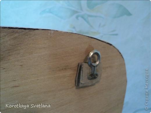 Захотелось сделать в подарок вот такое панно- держатель для штопора. Вообще это уже второе (первый подарила и не успела сфотать). фото 4