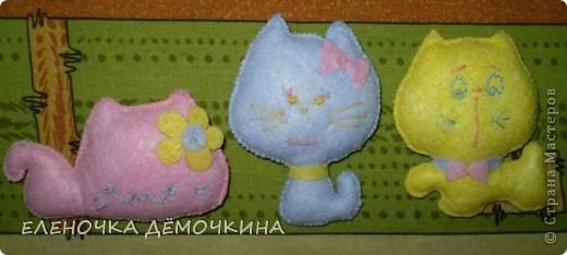 Вот такие забавные котята получились  у меня из салфеток визкосных.. ими обычно пыль вытирают=) фото 1