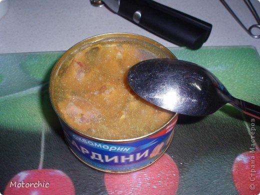 """На сайте нашла всего пару рецептов подобного """"ленивого""""супа, и делаю я немного по-своему его, поэтому предлагаю мой вариант=) Для его приготовления нужны: - картошка - морковь - сладкий перец - рыбная консерва в масле - соль и специи  Иногда я добавляю вермишель или рисовую вермишель, но чаще хочется вот такого, немучного супчика=) Думаю, по желанию можно добавить и лука, и зелень, но я люблю вот так фото 4"""