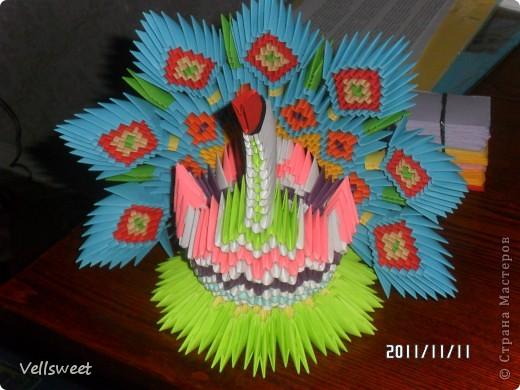 Мой павлинчик! Делала по схеме http://masterica.maxiwebsite.ru/archives/5194#more-5194. Единственное меняла цвета и рисунок. фото 1