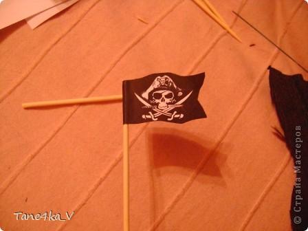 """Здравствуйте!  Представляю вам, пиратский корабль """"Черная жемчужина""""! сделан мной в подарок моему родному брату на  33-летие!!!  Ниже я делюсь с вами МК :)  Начнем! как я делала корабль.... фото 34"""