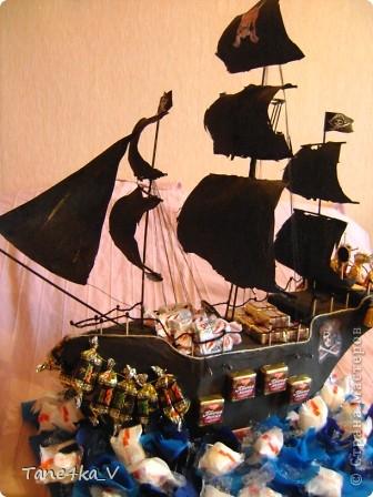 """Здравствуйте!  Представляю вам, пиратский корабль """"Черная жемчужина""""! сделан мной в подарок моему родному брату на  33-летие!!!  Ниже я делюсь с вами МК :)  Начнем! как я делала корабль.... фото 60"""