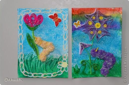 Здравствуйте! Спешим представить вам наши летние фантазии, фон - энкаустика, цветы квиллинговые, гусенички из резиночки для волос... фото 3