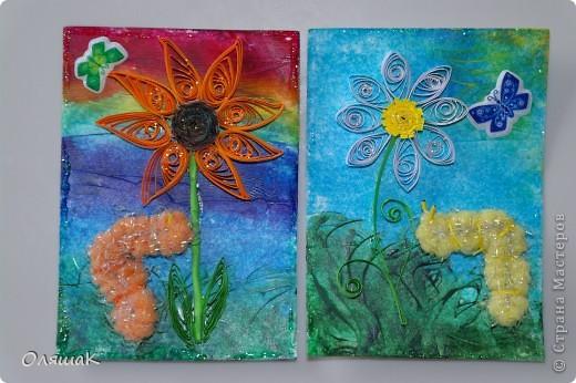 Здравствуйте! Спешим представить вам наши летние фантазии, фон - энкаустика, цветы квиллинговые, гусенички из резиночки для волос... фото 4