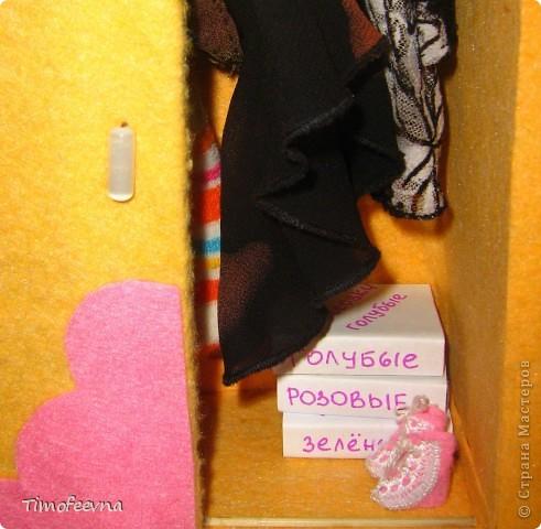 Привет всем, кто зашёл в гости!! На днях, дочкины Барби (и даже один из наших трёх Кенов), прикупили себе обувочку- спортивные кроссовки. Пришла весна,начался сезон утренних и вечерних пробежек, без соответствующей обуви ну просто никак не обойтись. фото 23