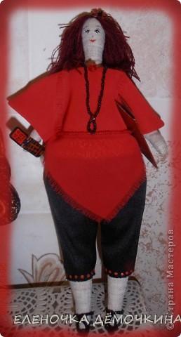 У моей подруги-секретарши был день варенья и я ей сделала такую куколку... говорят тезки очень похожи=) фото 1