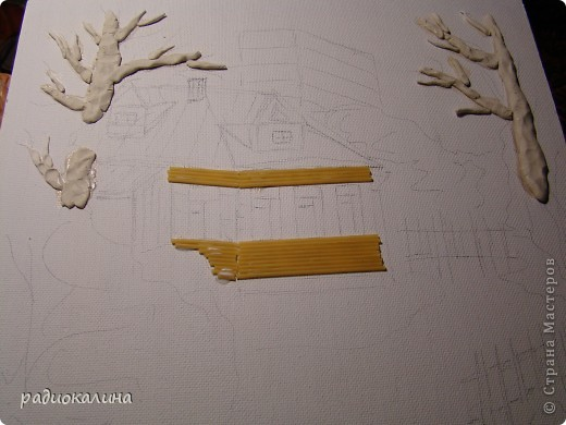Меня давно просили показать как я делаю свои работы из макарон, круп и природных материалов. Вот я и решила рассказать об этом на примере этого панно. фото 3