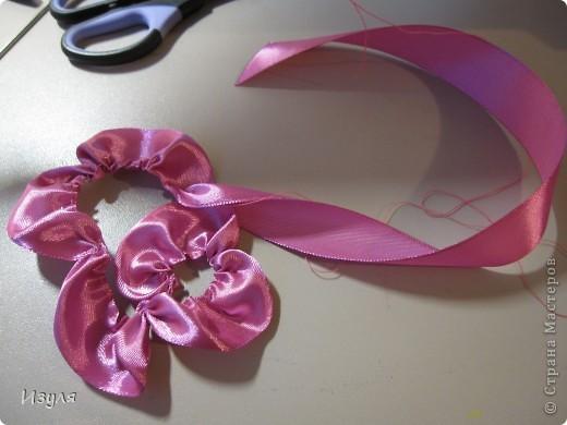 Листву вышивала, а цветы - аппликация. Предлагаю всем попробовать смастерить этот цветок своими руками. Это совсем не сложно! фото 4
