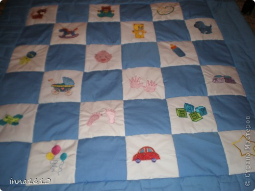 Это детское одеяло,сделано вместе с сестрой(ее вышивка на чудесной машине),размер 120*120. фото 2