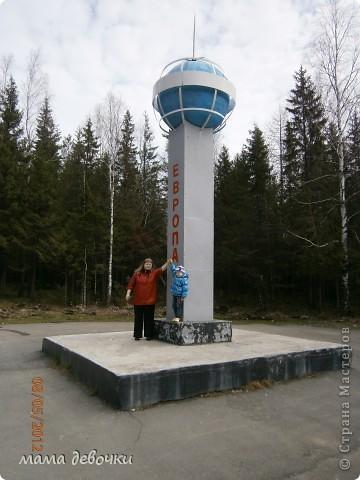Дорогие мастерицы приглашаю совершить с нами путешествие по нескольким из красивейших мест Урала, 7 мая поздно вечером мы вдруг с мужем решили прокатиться, да никуда нибудь рядом, а  аж за 200 км, что бы посмотреть Оленей, отправляемся мы на родину Мамина - Сибиряка п. Висим, а по пути заезжали посмотреть красивые места. Ну что начнем наше путешествии..... Это наша первоя остановка в г. Невьянск, пошли смотреть падающую башню. фото 7