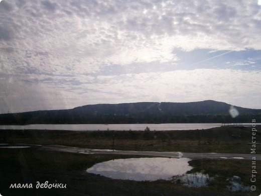 Дорогие мастерицы приглашаю совершить с нами путешествие по нескольким из красивейших мест Урала, 7 мая поздно вечером мы вдруг с мужем решили прокатиться, да никуда нибудь рядом, а  аж за 200 км, что бы посмотреть Оленей, отправляемся мы на родину Мамина - Сибиряка п. Висим, а по пути заезжали посмотреть красивые места. Ну что начнем наше путешествии..... Это наша первоя остановка в г. Невьянск, пошли смотреть падающую башню. фото 21