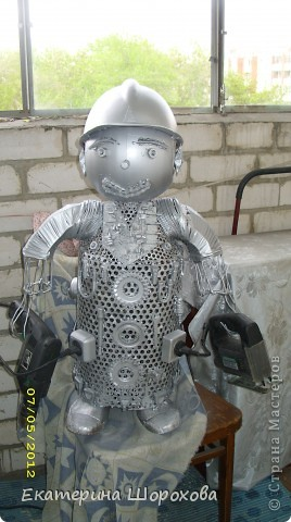 Вот и меня вдохновила работа http://stranamasterov.ru/node/334617, и я решила сделать работника в отдел по продаже элетробензоинструмента фото 1