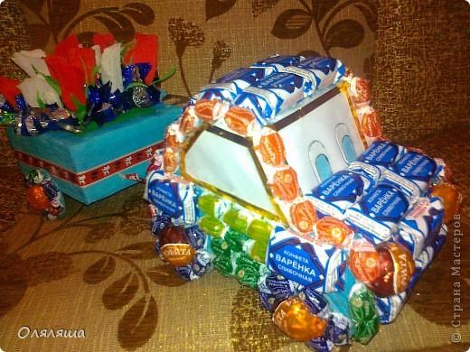 моя первая машинка из конфет, подарила сегодня мальчику на день рождения. фото 1