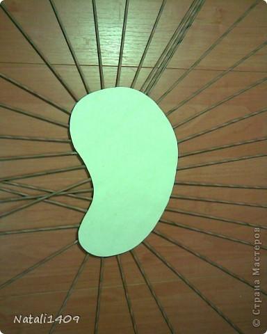 Всем, всем доброго времени суток. Девочки вот решила сделать подставочку для мелочевки в коридор, можно сказать органайзер для коридора (я на них повернута) или я еще назвала пенек. Что получилось, судить вам. Я люблю плести без формы, а это как раз оно!  фото 3